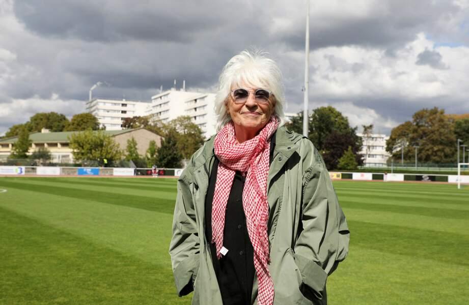 Catherine Lara au match de football entre le Variétés Club de France et l'équipe du Centre Hospitalier Poissy / Saint-Germain-en-Laye au profit de la fondation Hôpitaux de Paris - Hôpitaux de France,  Poissy, le 6 septembre 2020.