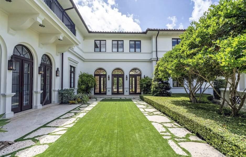 Villa de Marc Anthony : Un magnifique jardin