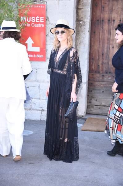 Vanessa Paradis en 2016 : l'actrice a opté pour une longue robe bohème