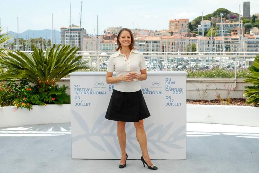 Jodie Foster tout sourire sur la Croisette pour le 74ème Festival International du film de Cannes, le 6 juillet 2021