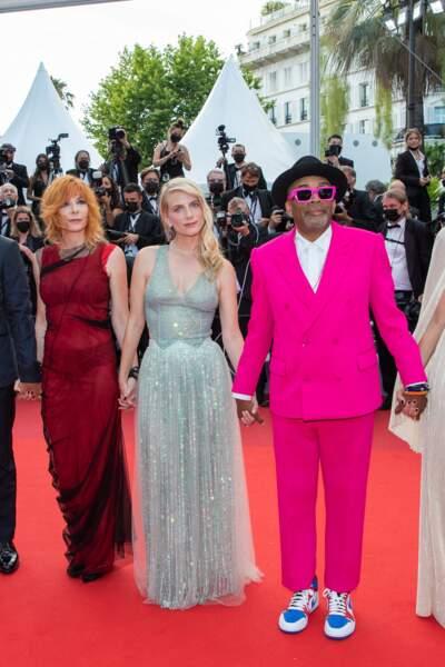 """Mylène Farmer, Mélanie Laurent et Spike Lee pour la montée des marches du film """"Annette"""" lors de la cérémonie d'ouverture du 74ème Festival International du Film de Cannes, le 6 juillet 2021"""