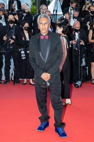 """Rachid Bouchareb pour la montée des marches du film """"Annette"""" lors de la cérémonie d'ouverture du 74ème Festival International du Film de Cannes, le 6 juillet 2021"""