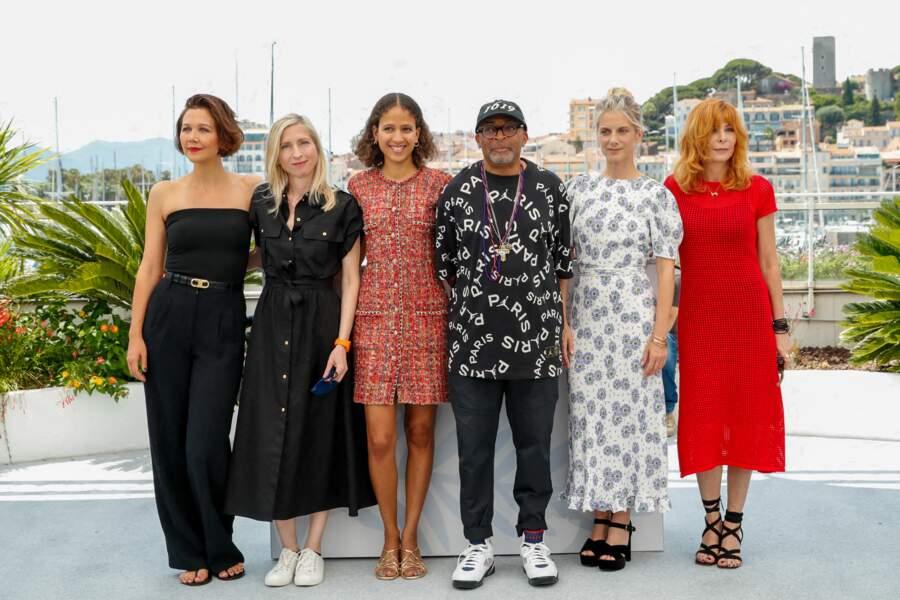Maggie Gyllenhaal, Jessica Hausner, Mati Diop, Spike Lee, Mélanie Laurent, Mylène Farmer au photocall du jury officiel du 74ème festival international du film de Cannes, le 6 juillet 2021