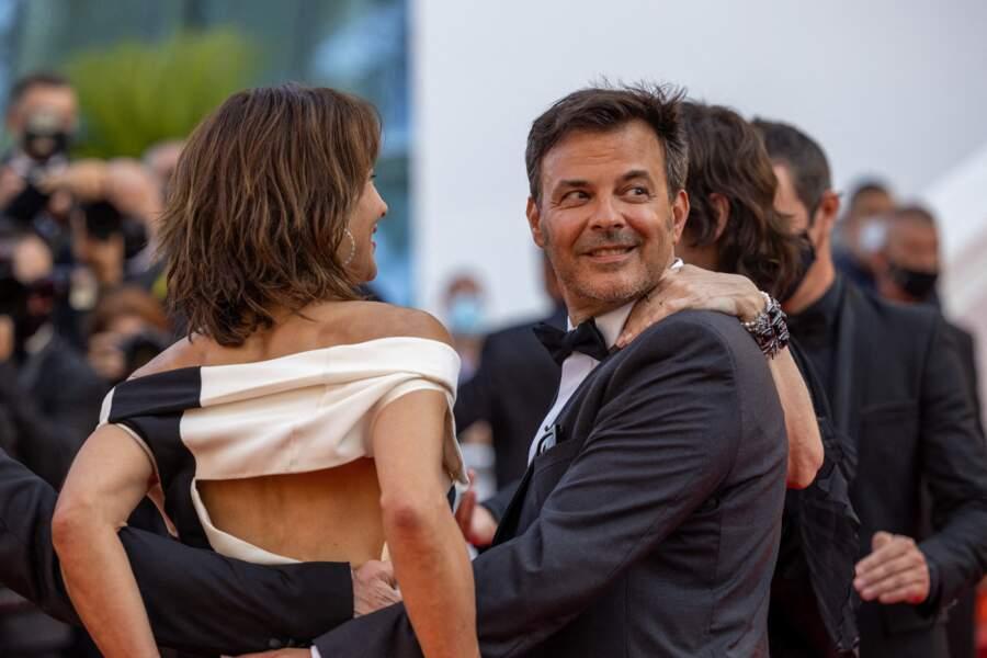 """Sophie Marceau a opté pour une robe bicolore signée Valentino Couture pour la montée des marches du film """"Tout s'est bien passé"""" lors du 74ème Festival International du Film de Cannes, le 7 juillet 2021"""