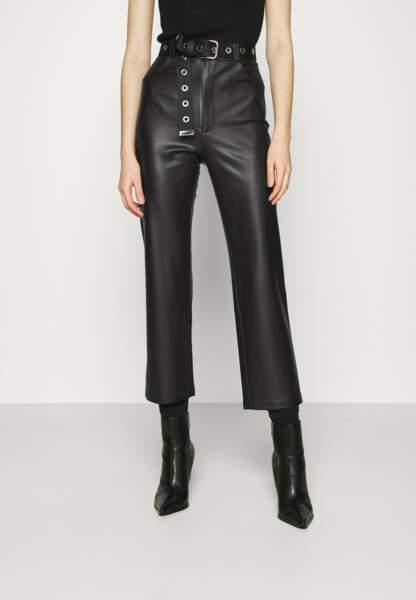 Pantalon classique en cuir, 44,95€ au lieu de 99,95€, Kendall + Kylie sur Zalando