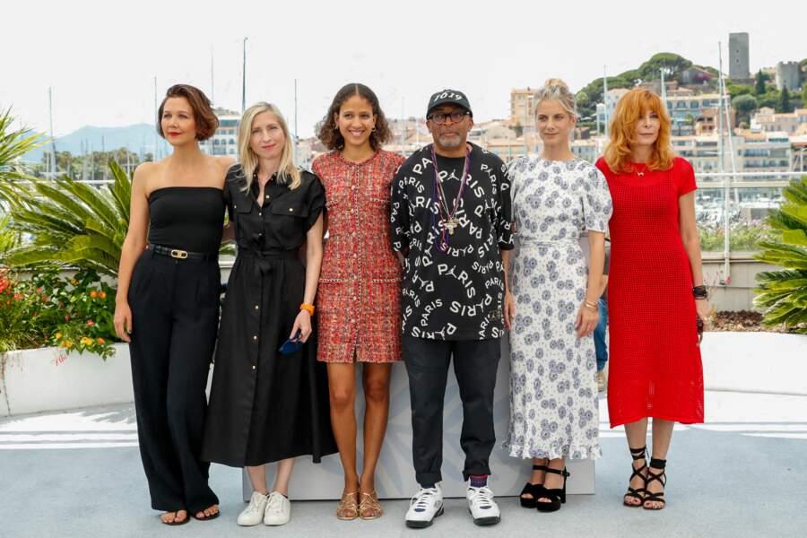 Maggie Gyllenhaal, Jessica Hausner, Mati Diop, Spike Lee, Mélanie Laurent et Mylène Farmer au photocall du jury officiel du 74ème festival international du film de Cannes, le 6 juillet 2021