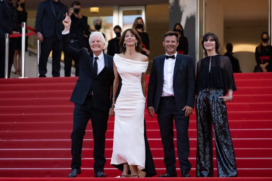 """Sophie Marceau a fait un élégant retour sur le tapis rouge du Festival de Cannes, lors de la montée des marches du film """"Tout s'est bien passé"""", le 7 juillet 2021"""