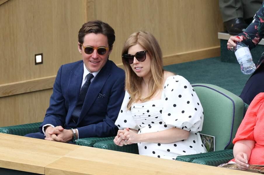 La princesse Beatrice et son époux Edoardo Mapelli Mozzi assistent à un match à Wimbledon, le 8 juillet 2021