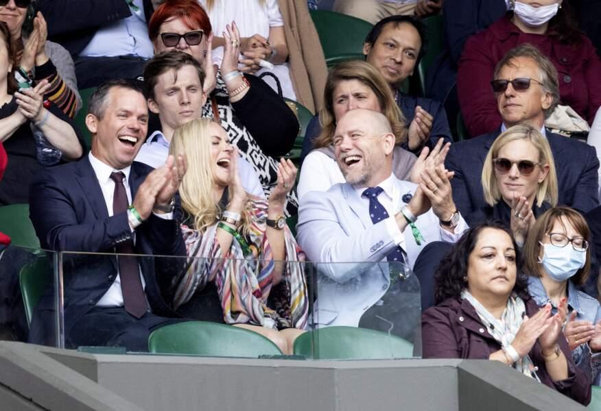 La bonne humeur et l'ambiance étaient au rendez-vous dans les tribunes de Mike Tindall et Zara Phillips, présents au tournoi de Wimbledon, le 7 juillet 2021