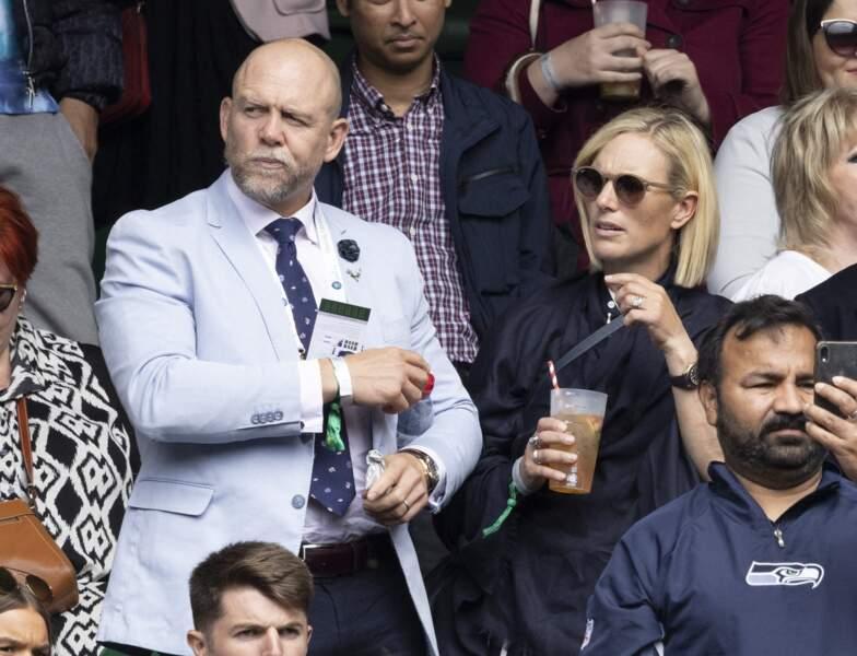 Pendant que les tennismen défendent leur place dans le tournoi de Wimbledon, Zara Philipps et Mike Tidall profitent du moment, le 7 juillet 2021