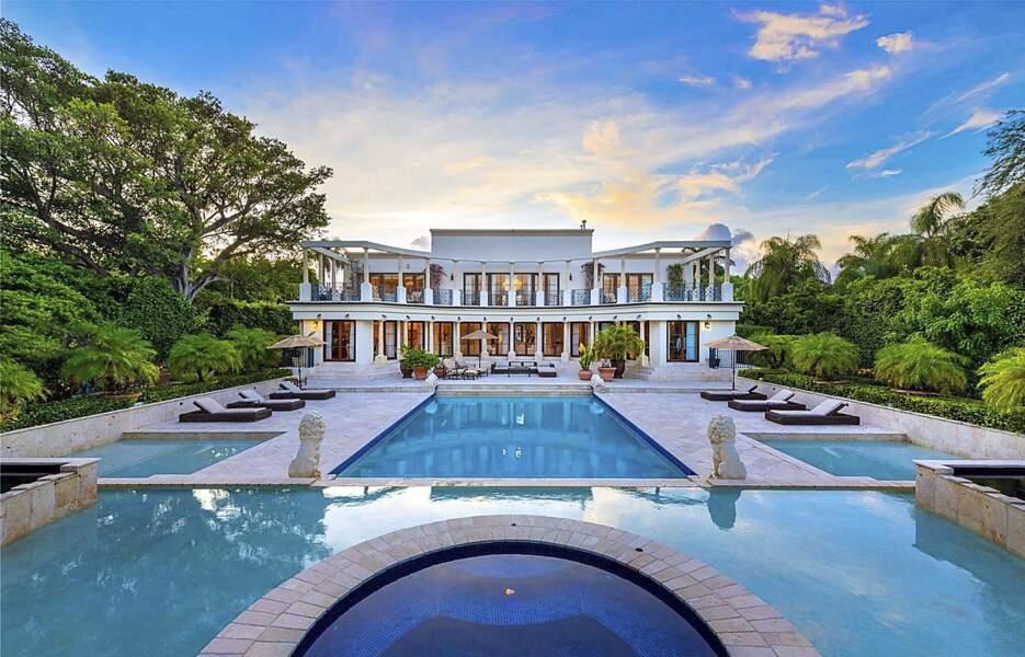 Ivanka Trump et son mari Jared Kushner sont devenus ce jeudi 7 juillet les heureux propriétaires d'un manoir à Miami pour 24 millions de dollars, composé de six chambres