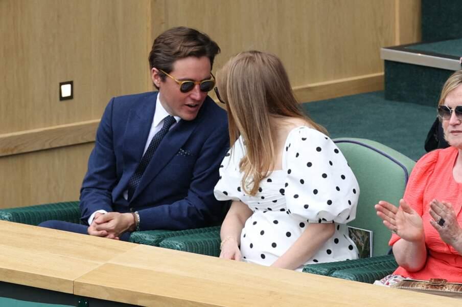 La princesse Beatrice et Edoardo Mapelli Mozzi très amoureux dans les gradins de Wimbledon, le 8 juillet 2021
