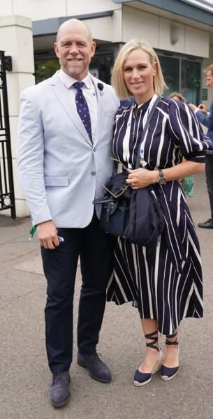 Très élégants, Zara Phillips et Mike Tindall ont fait une apparition très remarquée dans les tribunes de Wimbledon, le 7 juillet 2021