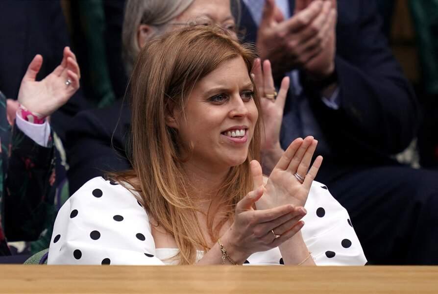 La princesse Béatrice d'York et son mari Edoardo Mapelli Mozzi assistent au tournoi de tennis de Wimbledon, le 8 juillet 2021.