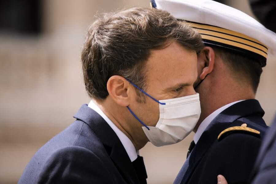 Emmanuel Macron lors de la cérémonie de passe d'armes aux Invalides, à Paris, le jeudi 8 juillet 2021