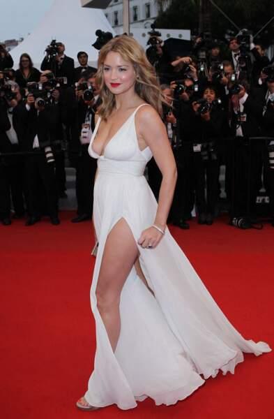 Virginie Efira en 2012 au Festival de Cannes, sublime en robe longue fendue.