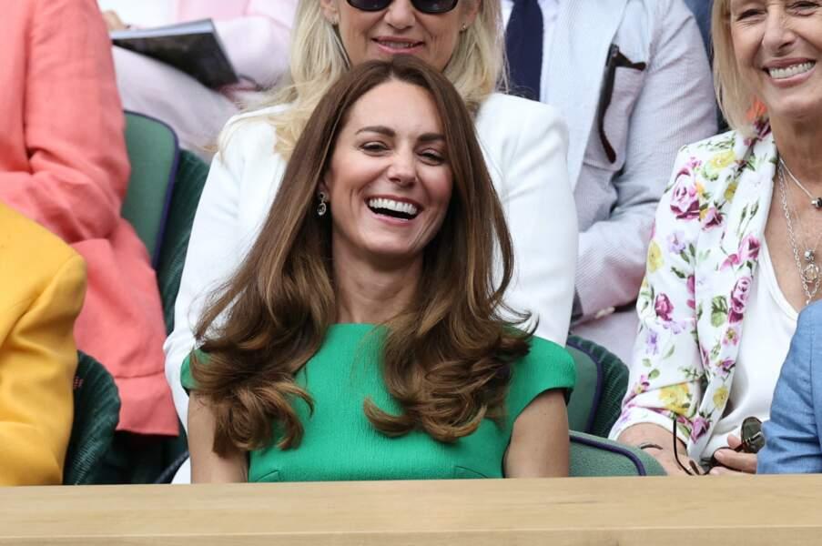 Kate Middleton est apparue souriante et de toute beauté à la finale féminine de Wimbledon ce 10 juillet.