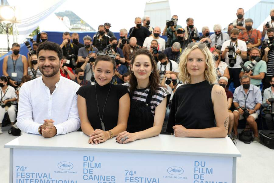 Mohamad Aljounde, Melati Wijsen, Marion Cotillard et Mary Finn au photocall du film Bigger than us