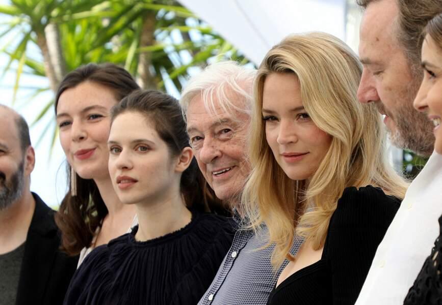 Louise Chevillotte, Daphné Patakia, Paul Verhoeven (réalisateur), Virginie Efira au photocall du film Benedetta