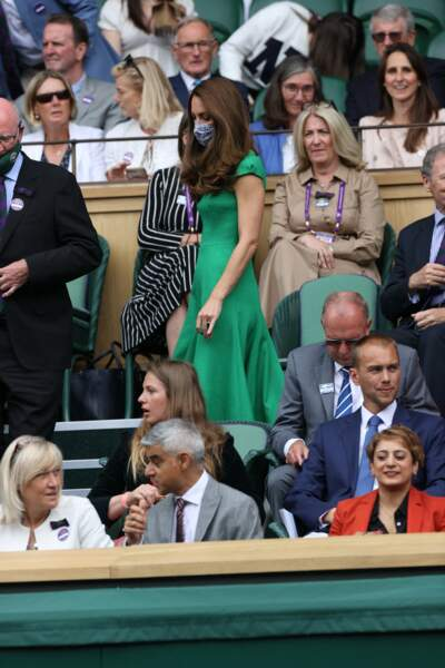 Kate Middleton est apparue radieuse dans sa robe verte émeraude lors de la finale à Wimbledon, ce samedi 10 juillet.
