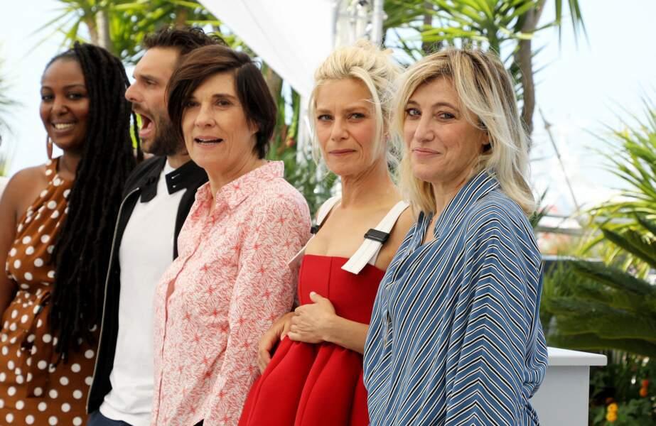 L'équipe du film La fracture pose devant les photographes !