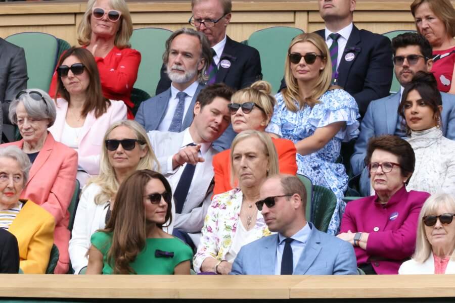 Kate Middleton n'a pas oublié ses lunettes de soleil de la marque Ray-Ban pour assister à la finale Dames du tournoi de tennis de Wimbledon au All England Lawn Tennis and Croquet Club à Londres, Royaume Uni, le 10 juillet 2021.