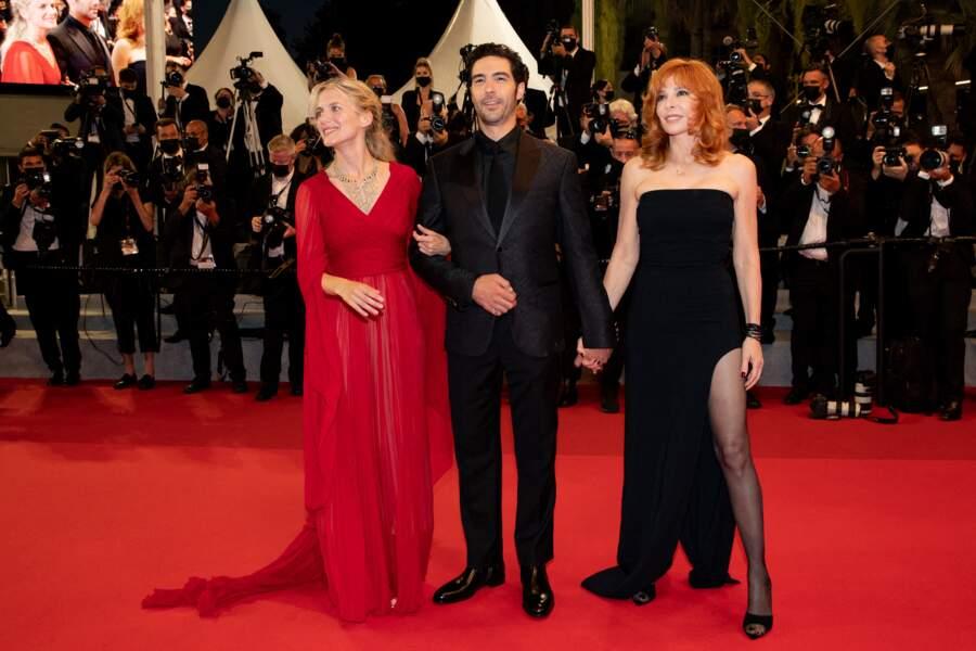 Mélanie Laurent, Tahar Rahim, et Mylène Farmer ont fait une arrivée remarquée sur le tapis rouge du Festival de Cannes ce 10 juillet