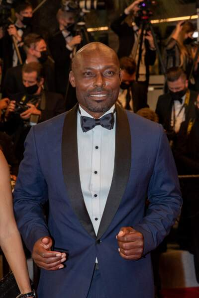 Jimmy Jean-Louis lors de la montée des marches du film Flag Day au Festival de Cannes ce 10 juillet