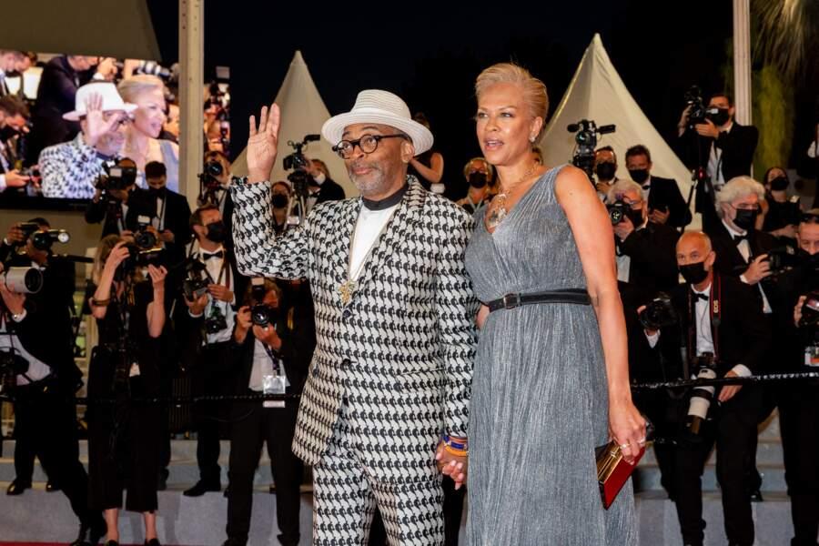 Spike Lee a choisi un costume signé Louis Vuitton x NBA collection pour la montée des marches du Festival de Cannes ce 10 juillet