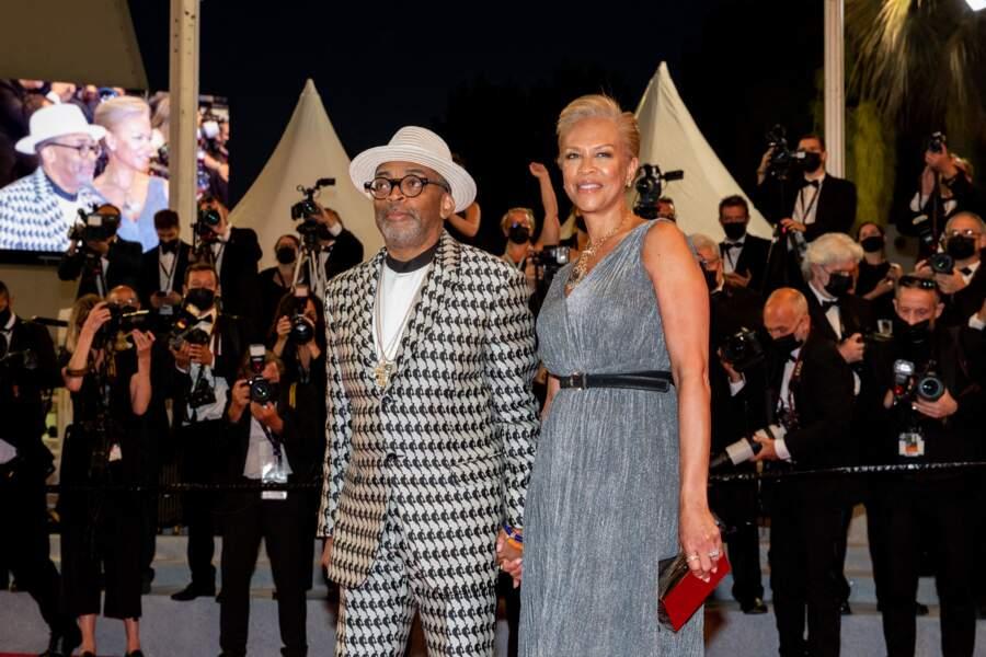 Le Président du jury, Spike Lee et sa femme Tonya Lewis Lee sont venus assister à la présentation du film Flag Day au Festival de Cannes ce 10 juillet