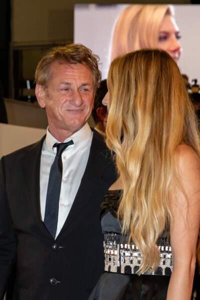 Sean Penn avec sa fille Dylan Penn lors de la montée des marches du Festival de Cannes ce 10 juillet