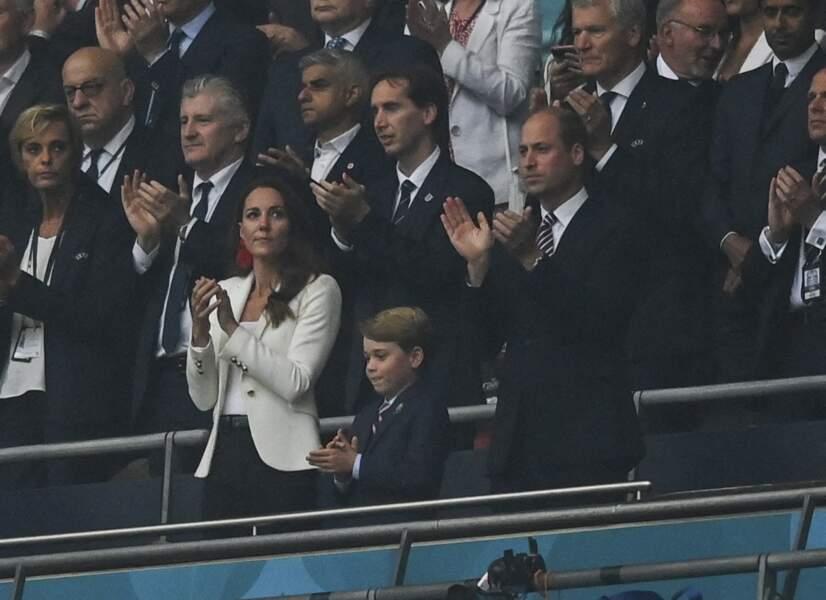 La duchesse de Cambridge, Kate Middleton simple et festive à la finale de l'Euro 2021 à Wembley