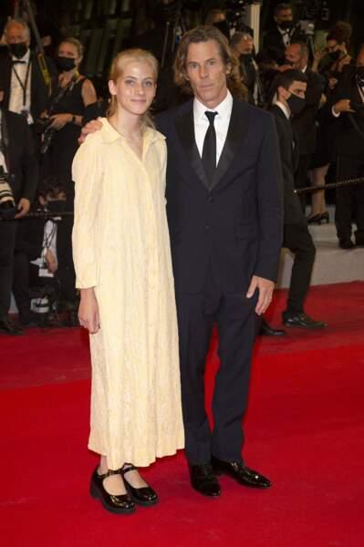 Danny Moder et sa fille Hazel Moder reunis lors de la montée des marches du film « Flag Day» à la 74ème édition du Festival International du Film à Cannes, le 10 juillet 2021
