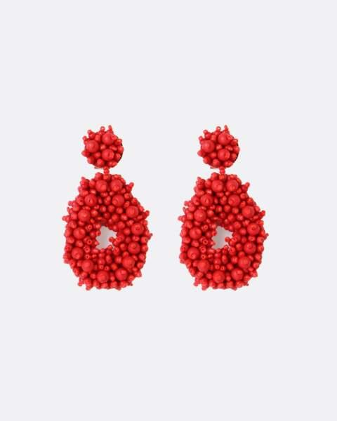 Les boucles d'oreilles rouges portées par la duchesse de Cambridge, Kate Middleton à 80€ signée Blaiz