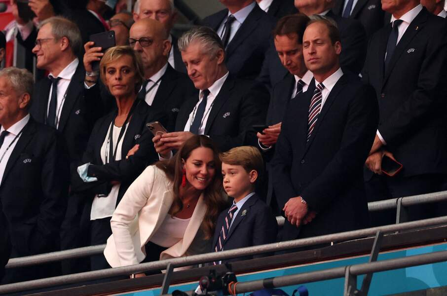 Kate Middleton soutient son équipe nationale en famille à la finale de l'Euro à Wembley, le 11 juillet 2021