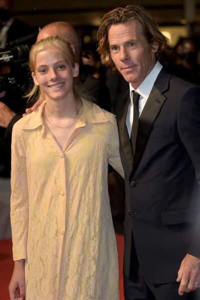 Hazel Moder, fille de Julia Roberts, et son père Daniel Moder lors de la montée des marches du film Flag Day, le 10 juillet 2021 à la 74ème édition du Festival de Cannes