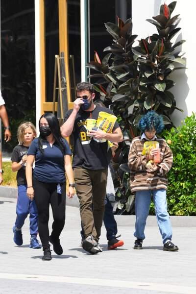 Emme Muniz, la fille de Jennifer Lopez, a capté le regard des photographes, le dimanche 11 juillet 2021 à Los Angeles, en dévoilant son look tout droit venu des années 1990