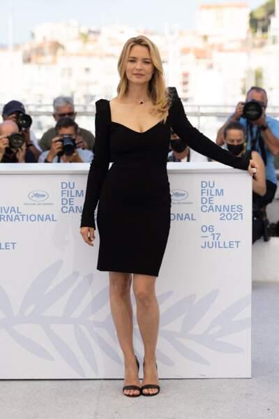 Virginie Efira au photocall du film Benedetta lors du 74ème festival international du film de Cannes le 10 juillet 2021