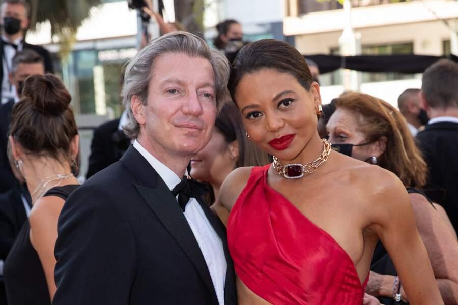 Ceawlin Thynn, marquis de Bath et sa femme Emma Weymouth, amoureux et complices sur le tapis rouge de Cannes.