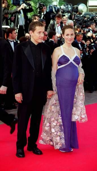 Judith Godrèche enceinte et alors en couple avec Dany Boon à Cannes en 1999