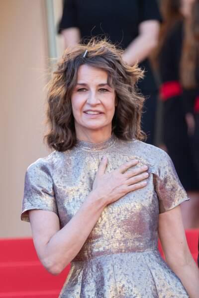 Valérie Lemercier émue par l'accueil réservé sur le tapis rouge du festival de Cannes.