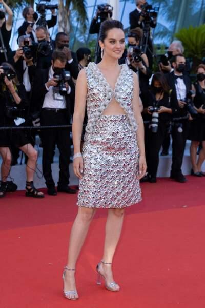 Noémie Merlant était en Louis Vuitton pour sa montée des marches.