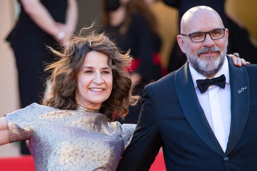 Valérie Lemercier, pleine d'énergie aux côtés de l'acteur québécois Sylvain Marcel.