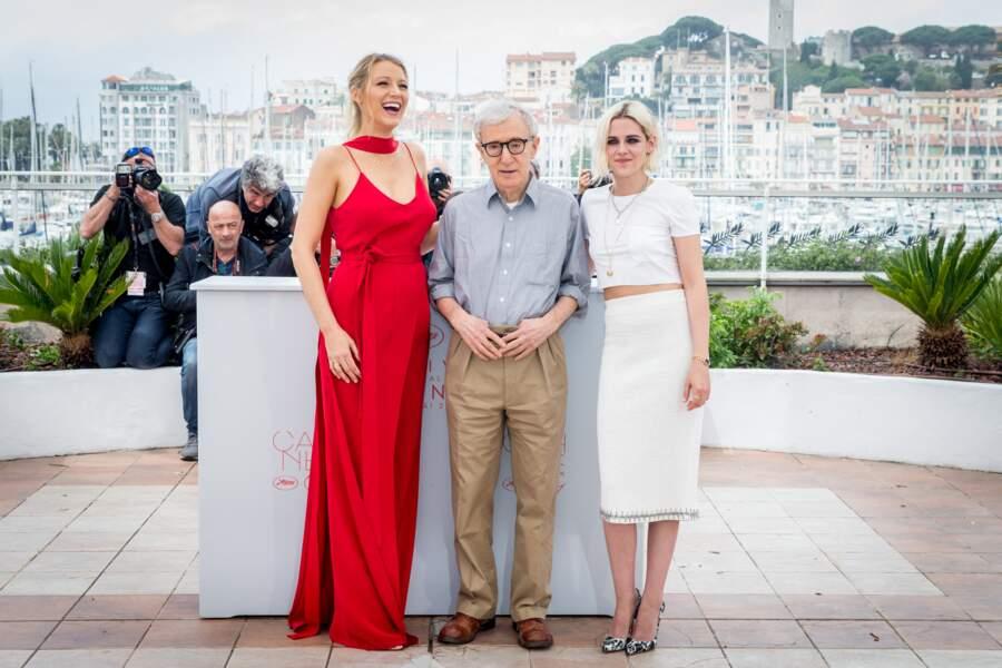 Blake Lively enceinte au festival de Cannes : en combinaison rouge écarlate le 11 mai 2016