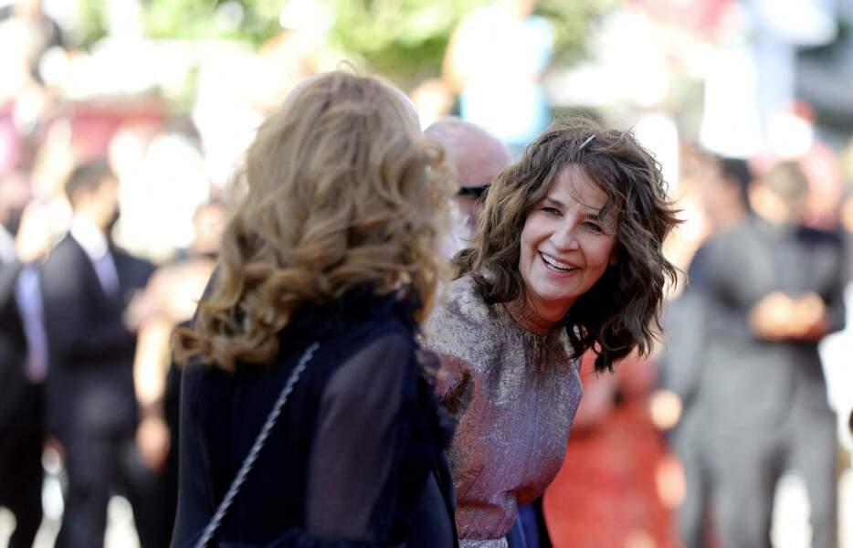 Par son charme et sa spontanéité, Valérie Lemercier a illuminé le Festival de Cannes ce 13 juillet.