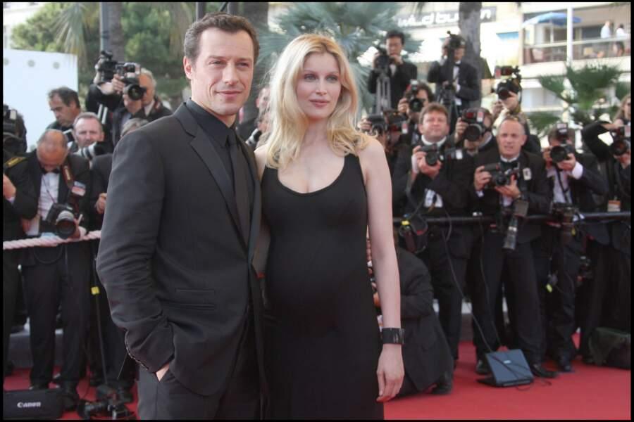 Laetitia Casta enceinte en petite robe noire avec son compagnon de l'époque, Stefano Accorsi en 2009