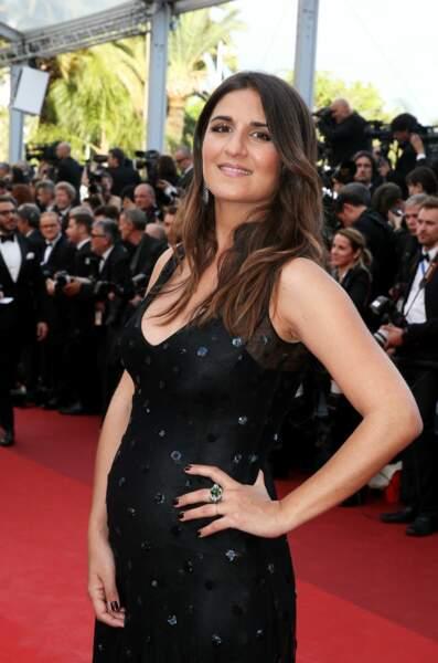 Géraldine Nakache enceinte au festival de Cannes : elle choisit une petite robe noire, le 11 mai 2016.