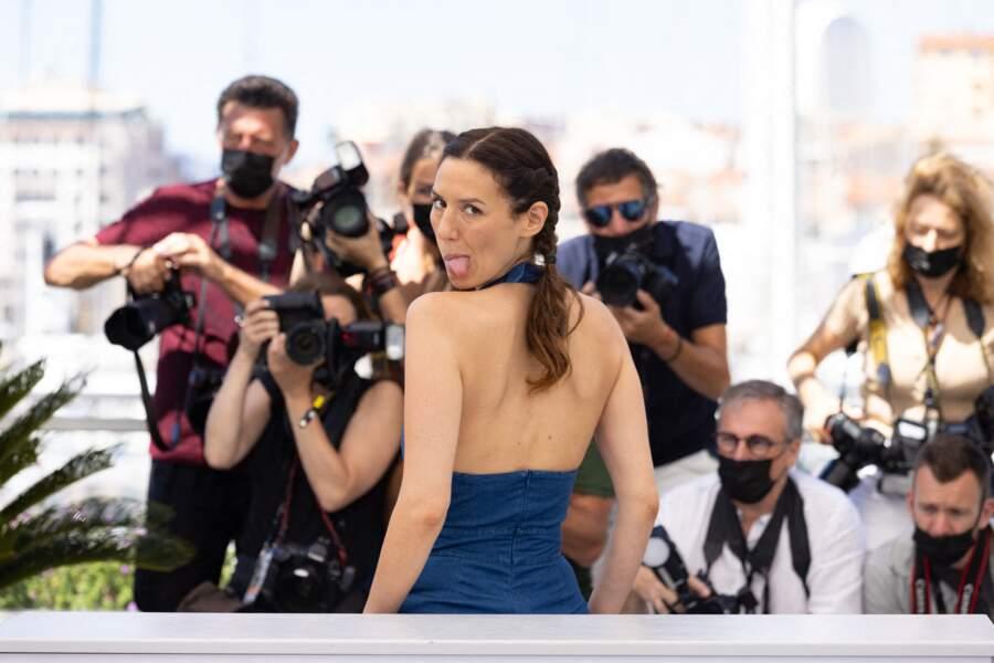 Doria Tillier s'est dévoilée joueuse au photocall des Talents Adami lors du 74ème festival international du film de Cannes, le 13 juillet 2021