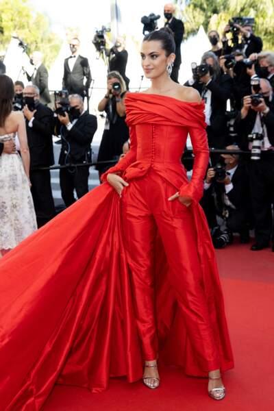 L'influenceuse Marta Lozano sur le tapis rouge du Festival de Cannes le 14 juillet 2021