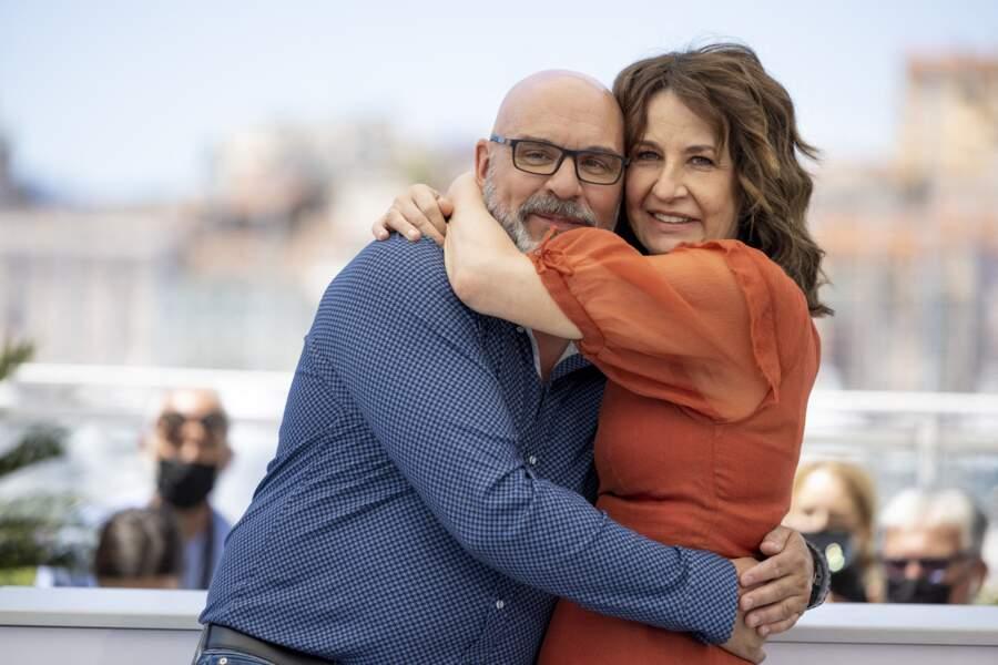 L'occasion pour Valérie Lemercier de poser avec l'acteur québécois Sylvain Marcel.